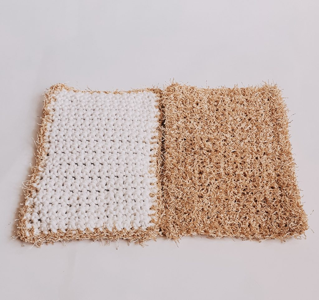 ambos lados del paño de crochet